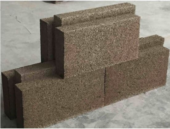 Briques de chaux-chanvre