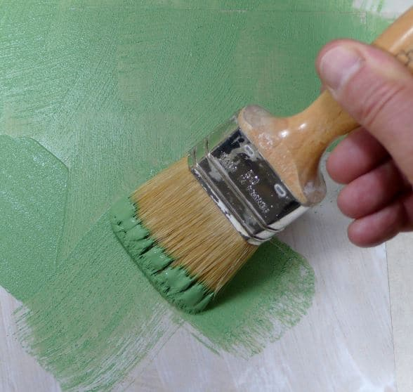 Peinture caseine pinceau